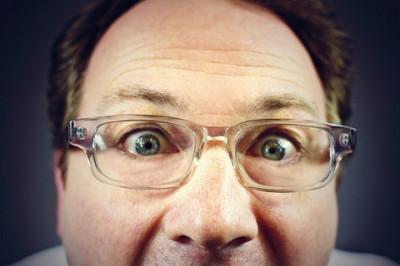 メガネの顔