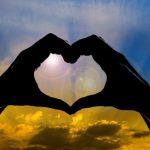 """(301) """"何よりもまず、互いに熱心に愛し合いなさい。愛は多くの罪をおおうからです。"""""""